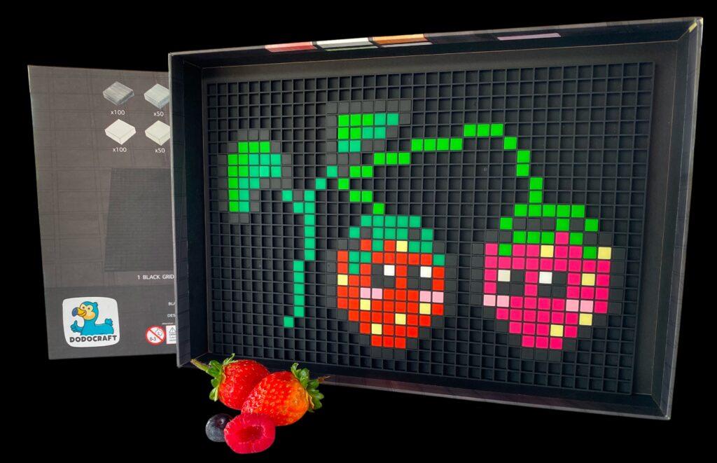pixel art strawberry dodocraft